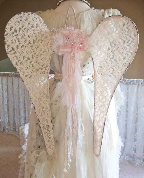 Antoinette Angel Wings