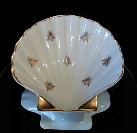French Bee Porcelain Seashell