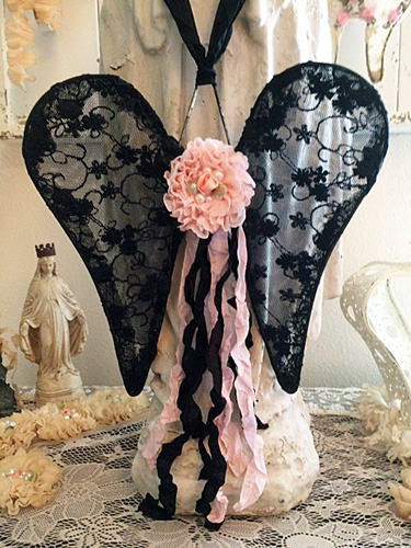 Black Beauty Lace Wings