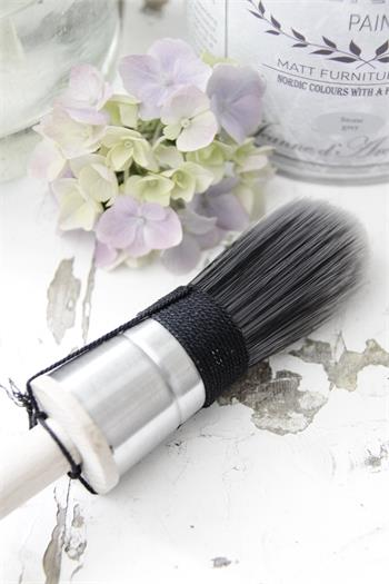 Vintage Paint Brush 16