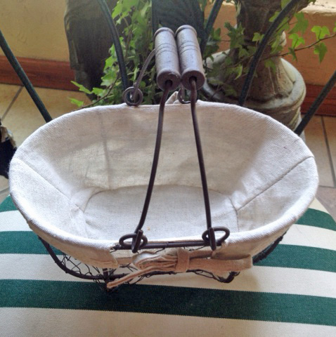 Oval French Chicken Wire Basket