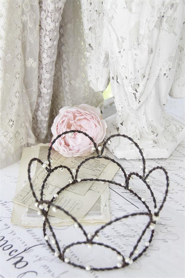 Crown With Cream Pearls