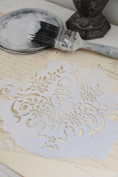 Fleur de Lis Vine Stencil