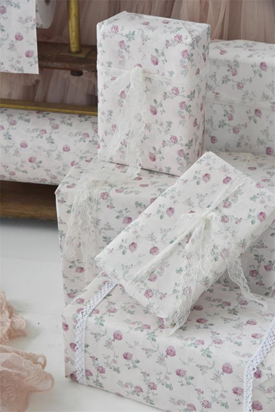 French Roses Gift Wrap