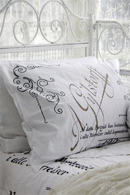 Jeanne d' Arc Living Pillow Case Set