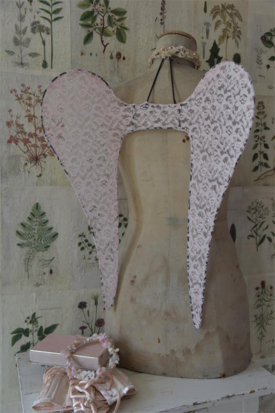 Shabby Pink  French Nordic Angel Wings