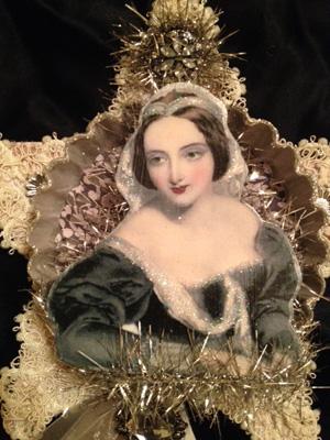 French Vintage Tart Tin Ornament Fleur