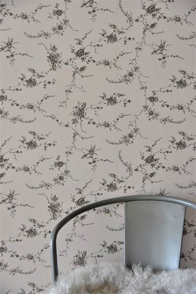 French Grey Floral Vine Wallpaper