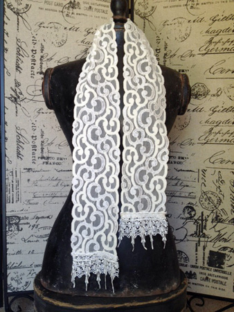 Shabby Vintage Lace Scarf