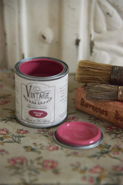 Vintage Red Wine Paint