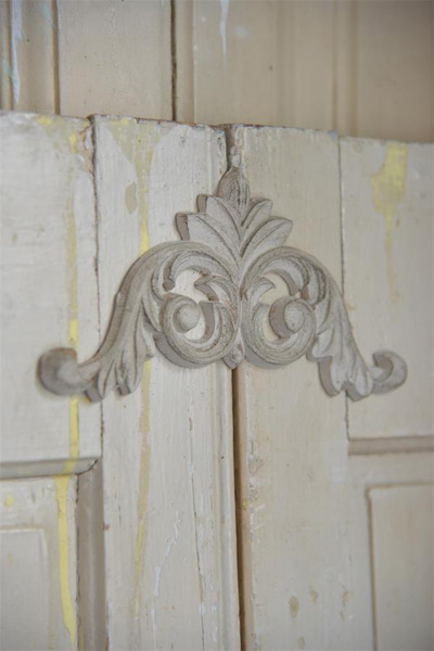 Architectural Element Furniture Applique